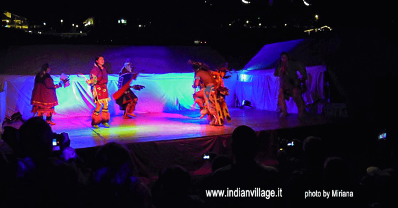 Spettacolo Indian Village 2013